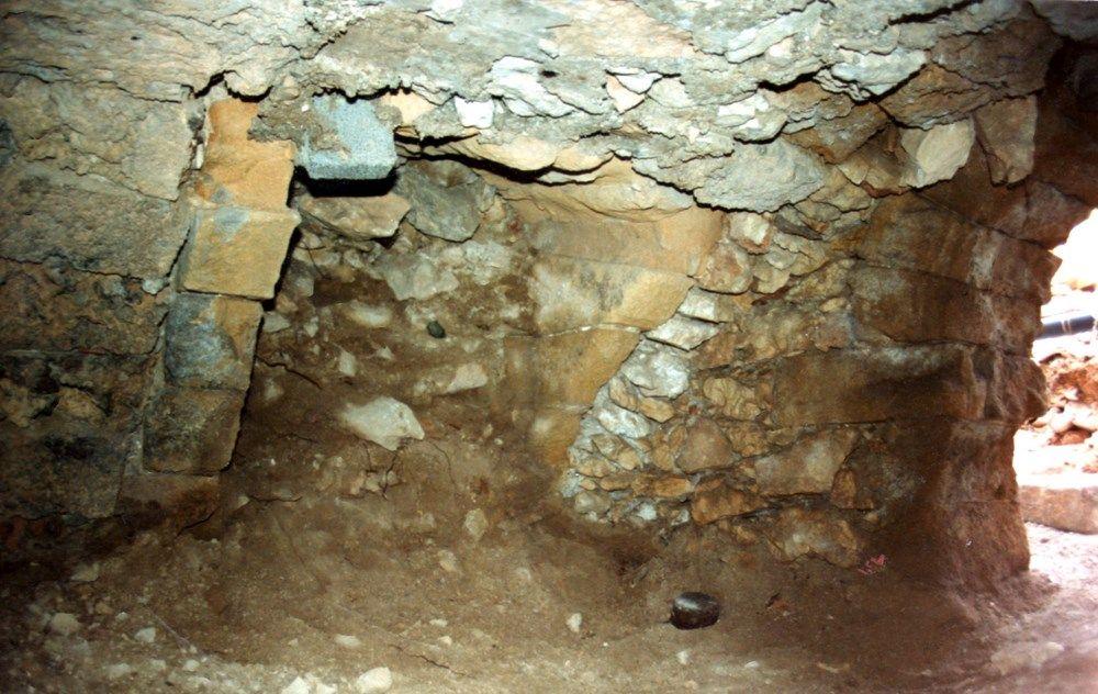 1990 1992 d blaiement et restauration partiels des caves du monast re association les amis. Black Bedroom Furniture Sets. Home Design Ideas